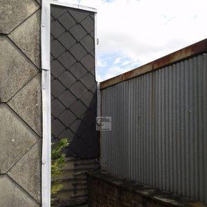 Plaques en fibro ciment amiant Ancien entrept dautocars  Arrashellip