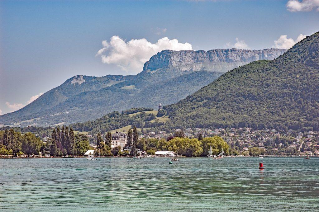 Immobilier au lac d'Annecy